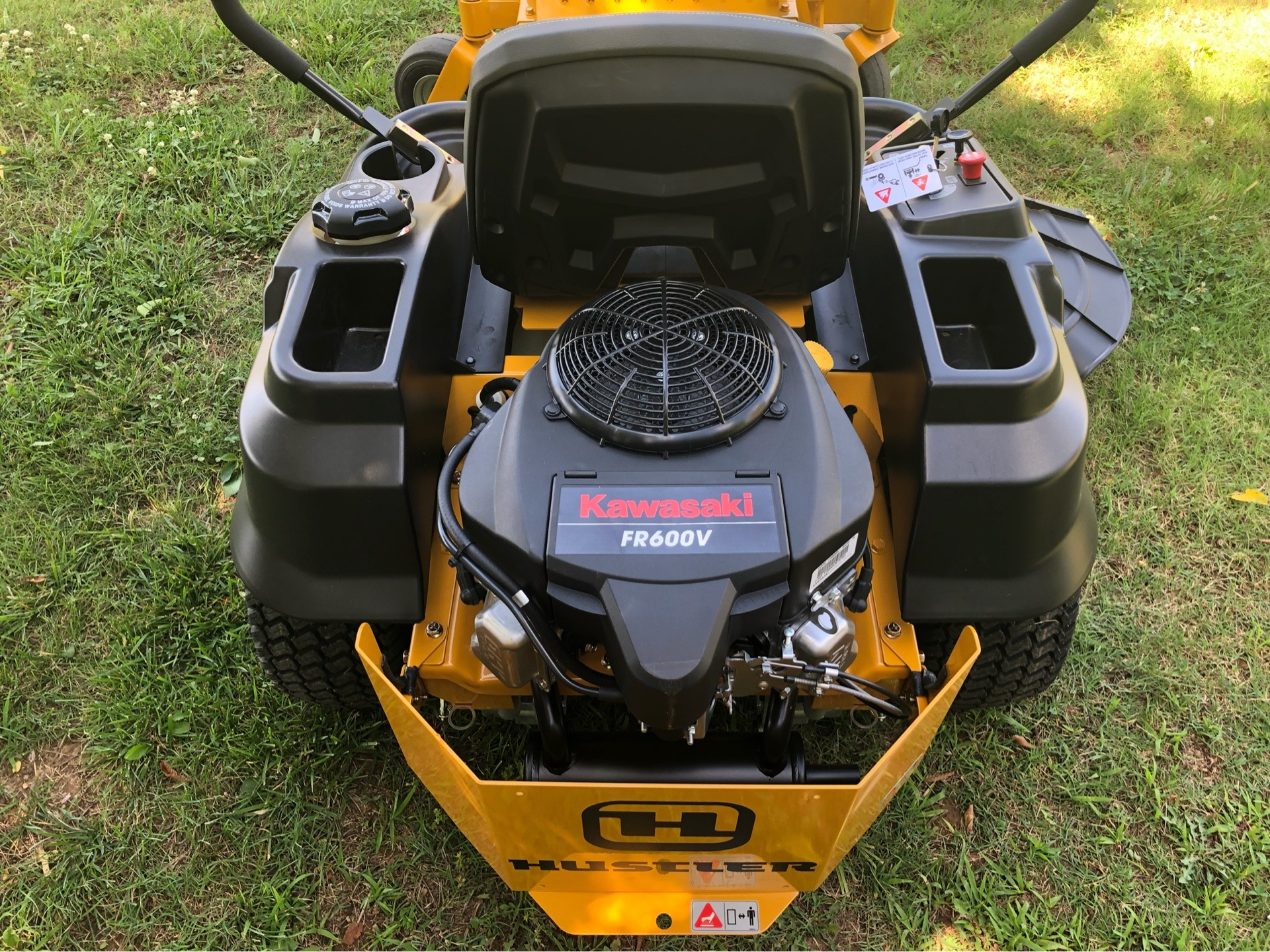 "2019 Hustler Turf Equipment Raptor 42"" in Harrison, Arkansas - Photo 4"