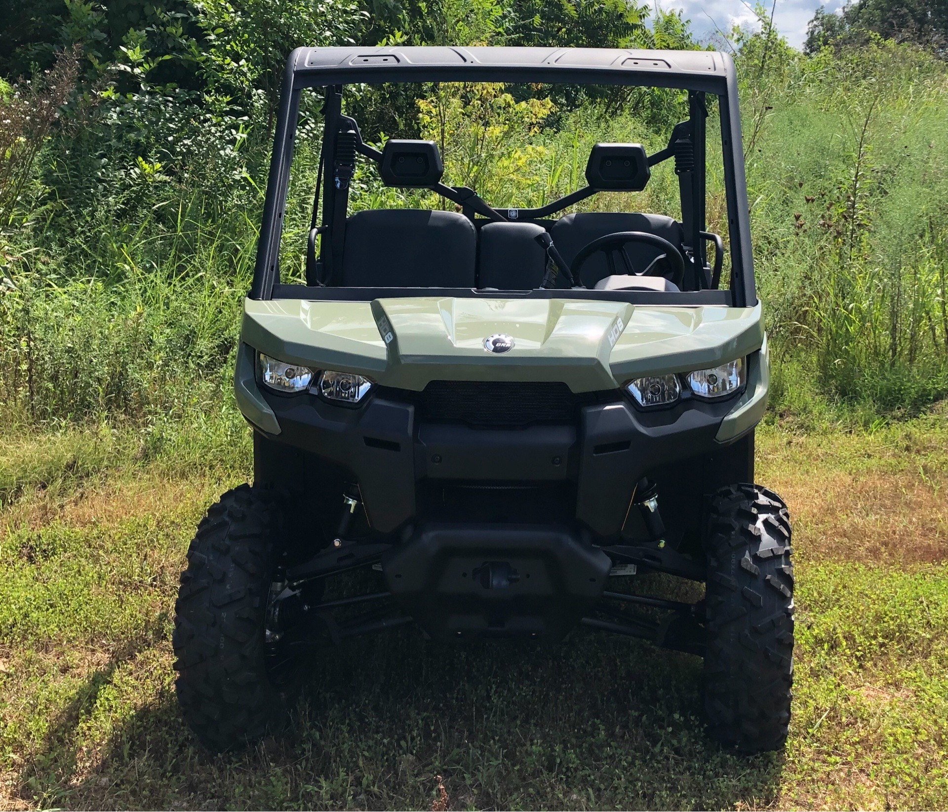 2019 Can-Am� Defender DPS HD8 4