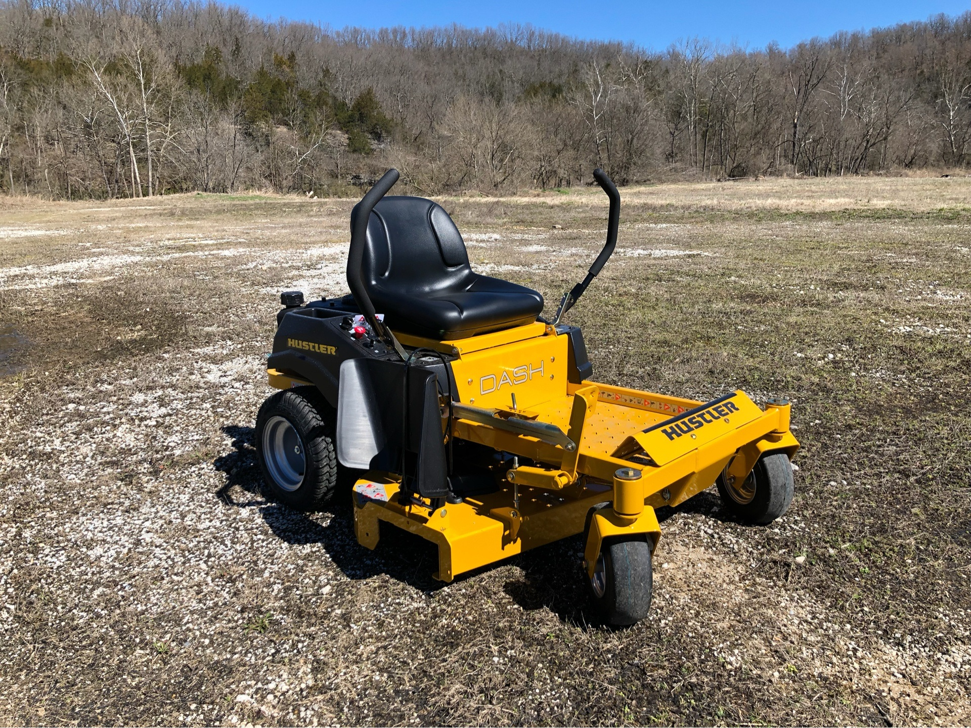 2019 Hustler Turf Equipment Dash 42 in. Briggs & Stratton PowerBuilt in Harrison, Arkansas - Photo 1