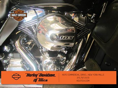2016 Harley-Davidson Electra Glide® Ultra Classic® Low in New York Mills, New York - Photo 8