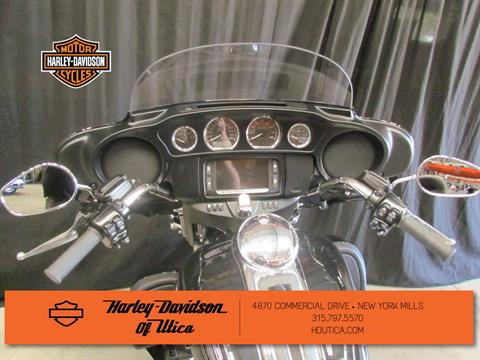 2016 Harley-Davidson Electra Glide® Ultra Classic® Low in New York Mills, New York - Photo 11