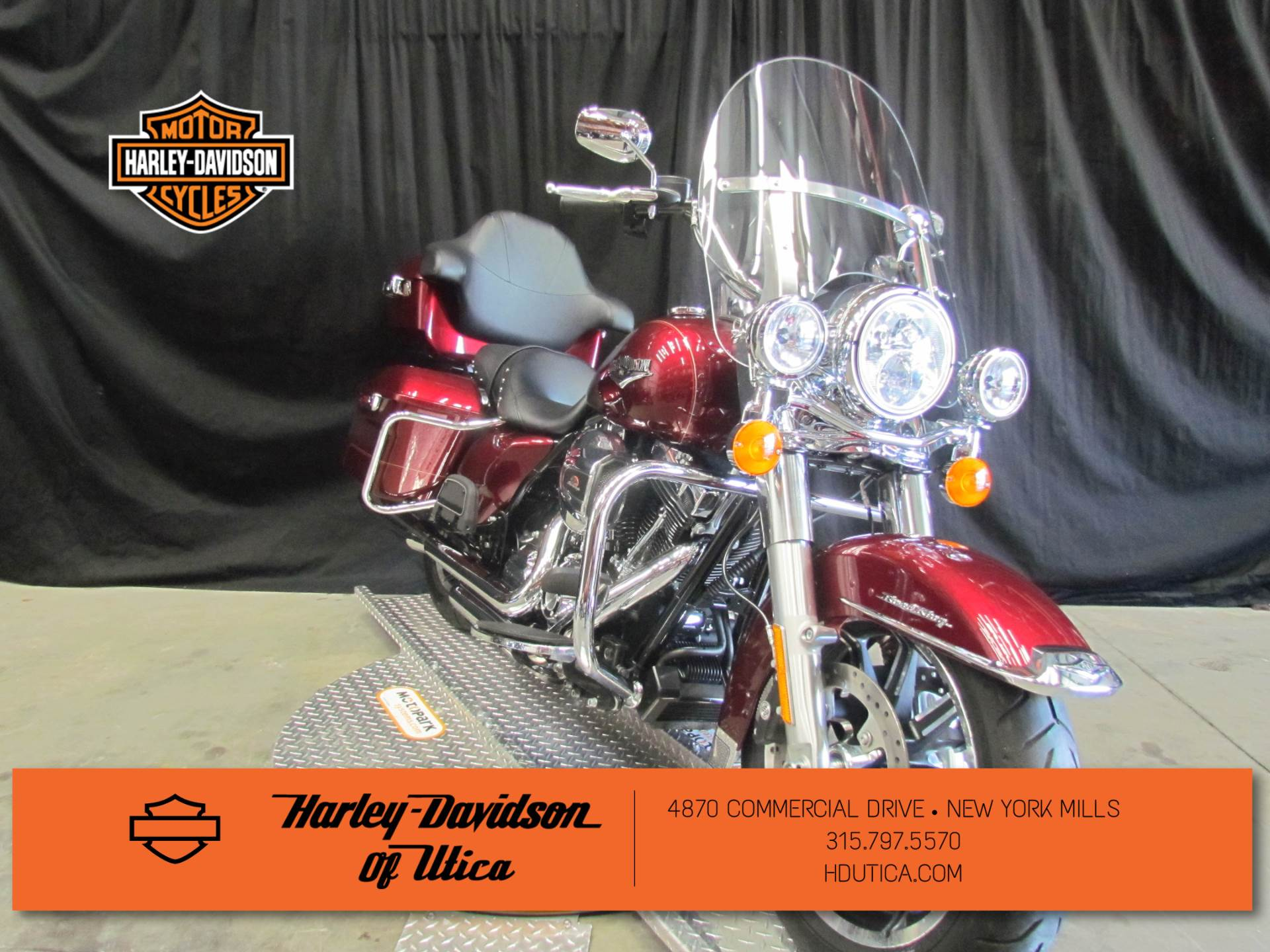 2016 Harley-Davidson Road King® in New York Mills, New York - Photo 2