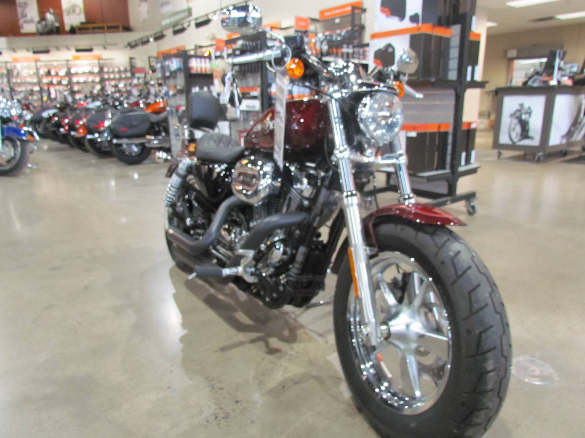 2016 Harley-Davidson 1200 Custom in New York Mills, New York - Photo 2