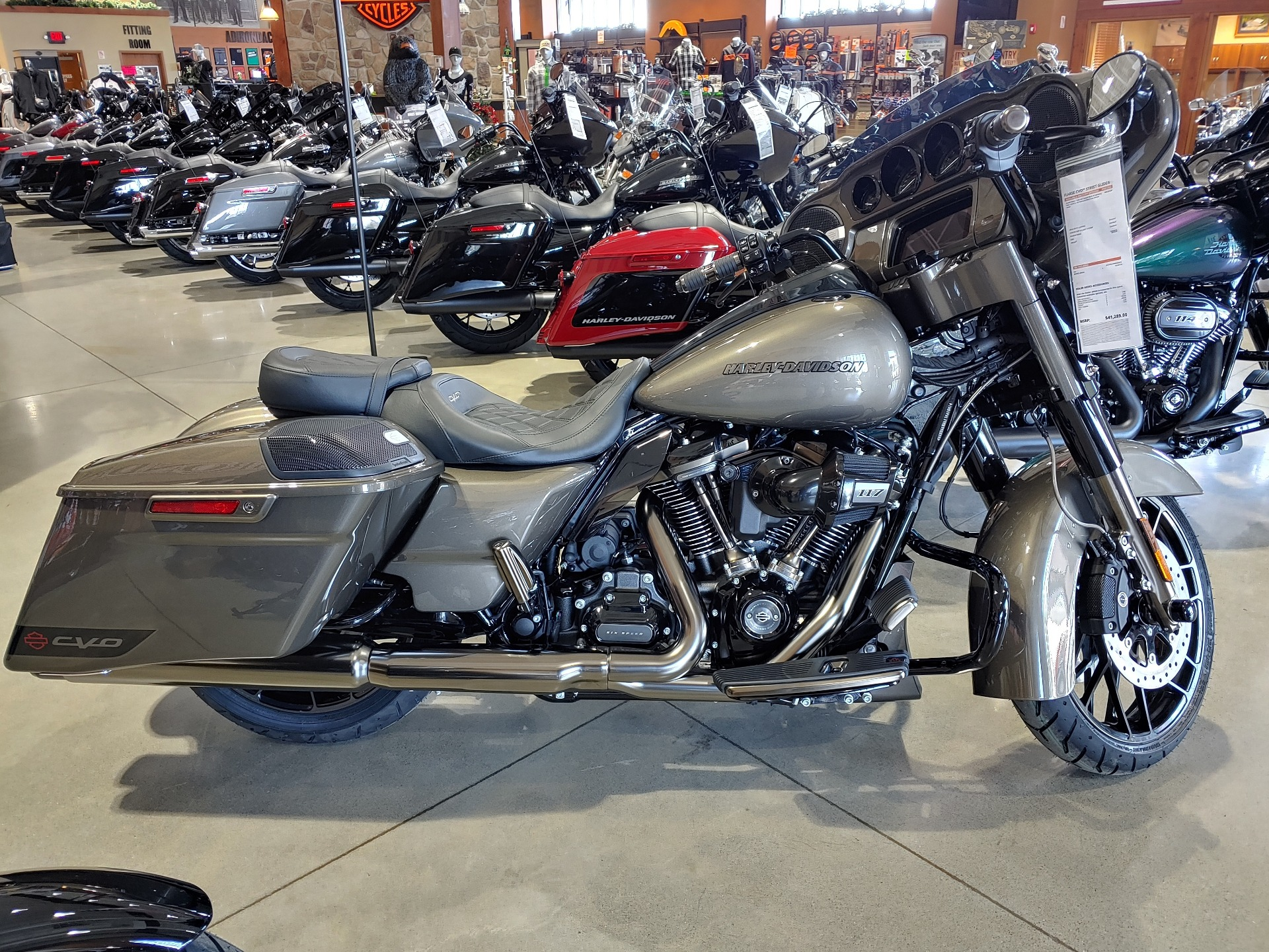 2021 Harley-Davidson CVO™ Street Glide® in Broadalbin, New York - Photo 1