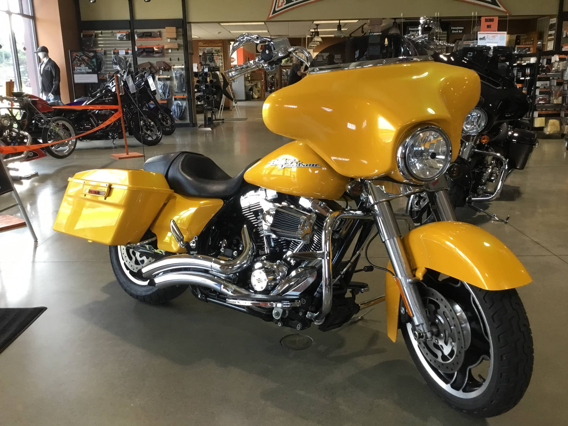 2013 Harley-Davidson Street Glide® in Broadalbin, New York - Photo 3