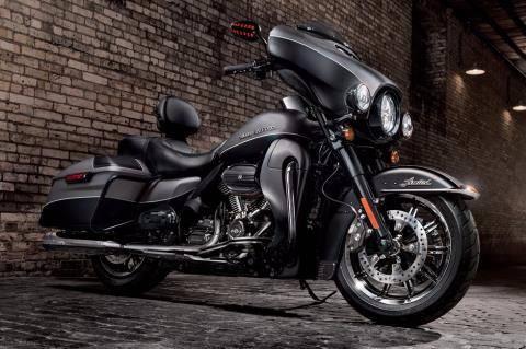 2017 Harley-Davidson Ultra Limited in Broadalbin, New York