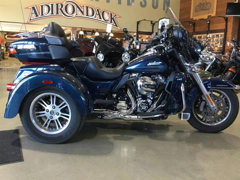 2016 Harley-Davidson Tri Glide® Ultra in Broadalbin, New York - Photo 1