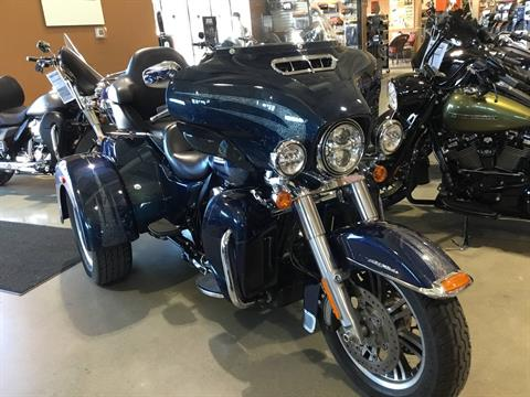 2016 Harley-Davidson Tri Glide® Ultra in Broadalbin, New York - Photo 3