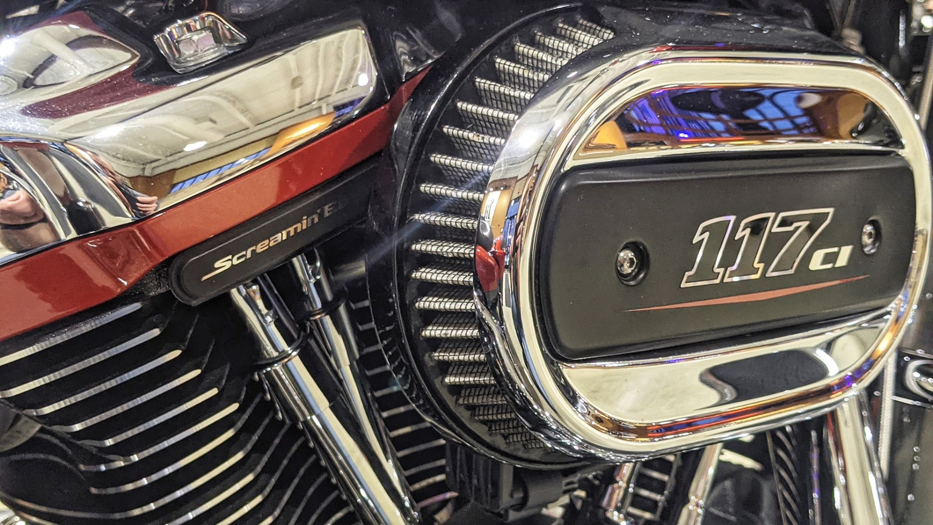 2018 Harley-Davidson CVO™ Road Glide® in Broadalbin, New York - Photo 3