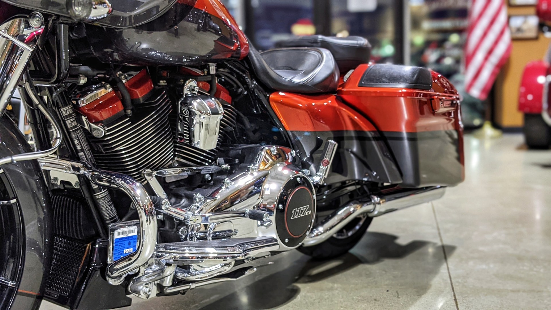 2018 Harley-Davidson CVO™ Road Glide® in Broadalbin, New York - Photo 6
