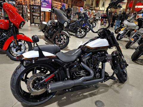 2016 Harley-Davidson CVO™ Pro Street Breakout® in Broadalbin, New York - Photo 2