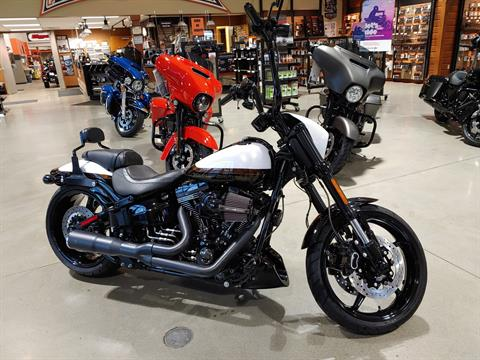 2016 Harley-Davidson CVO™ Pro Street Breakout® in Broadalbin, New York - Photo 3