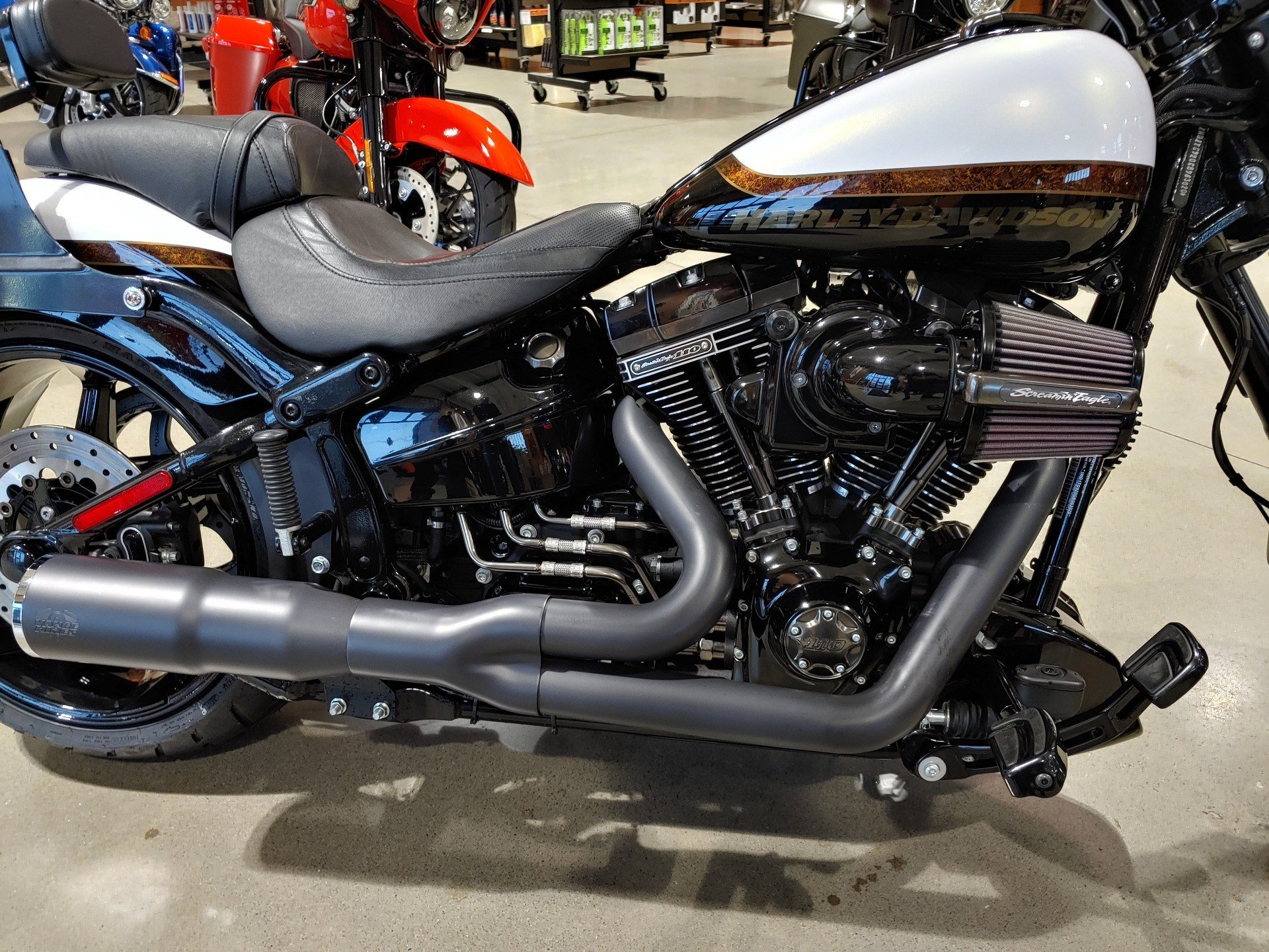 2016 Harley-Davidson CVO™ Pro Street Breakout® in Broadalbin, New York - Photo 4