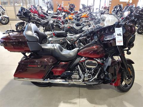 2018 Harley-Davidson CVO™ Limited in Broadalbin, New York - Photo 1