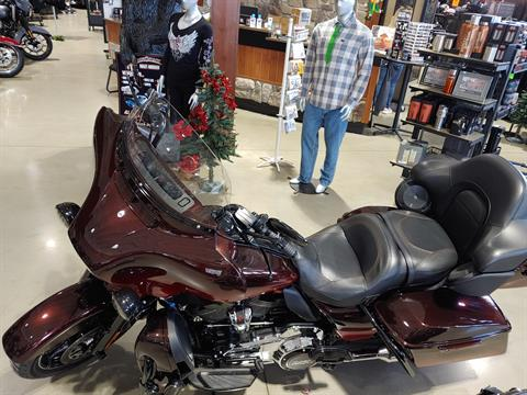 2018 Harley-Davidson CVO™ Limited in Broadalbin, New York - Photo 8