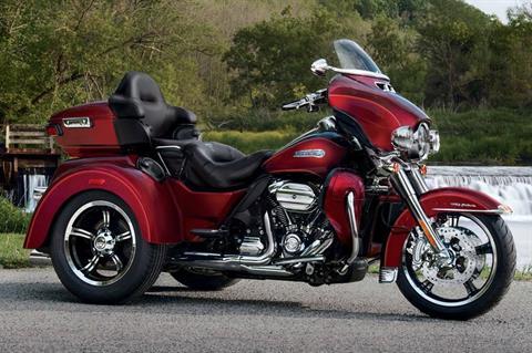 2017 Harley-Davidson Tri Glide® Ultra in Broadalbin, New York