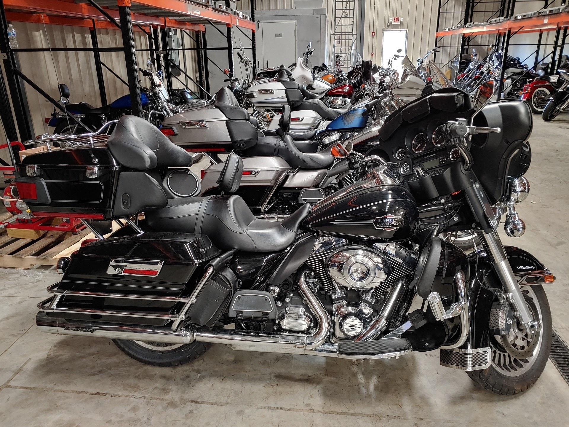 Used 2013 Harley Davidson Ultra Classic Electra Glide Vivid Black Motorcycles In Broadalbin Ny B9198p