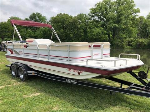 1995 Hurricane FUN DECK 230 in West Plains, Missouri