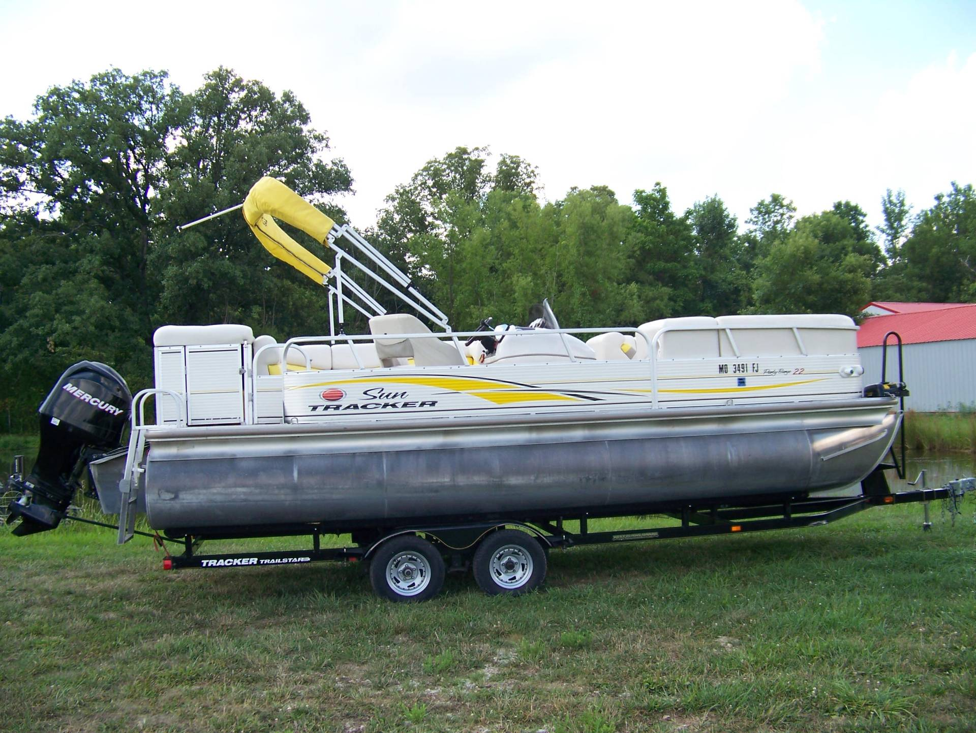 2008 Sun Tracker Party Barge 22 TRIPLE LOG W/ MERCURY 115 4S & TRAILER in West Plains, Missouri