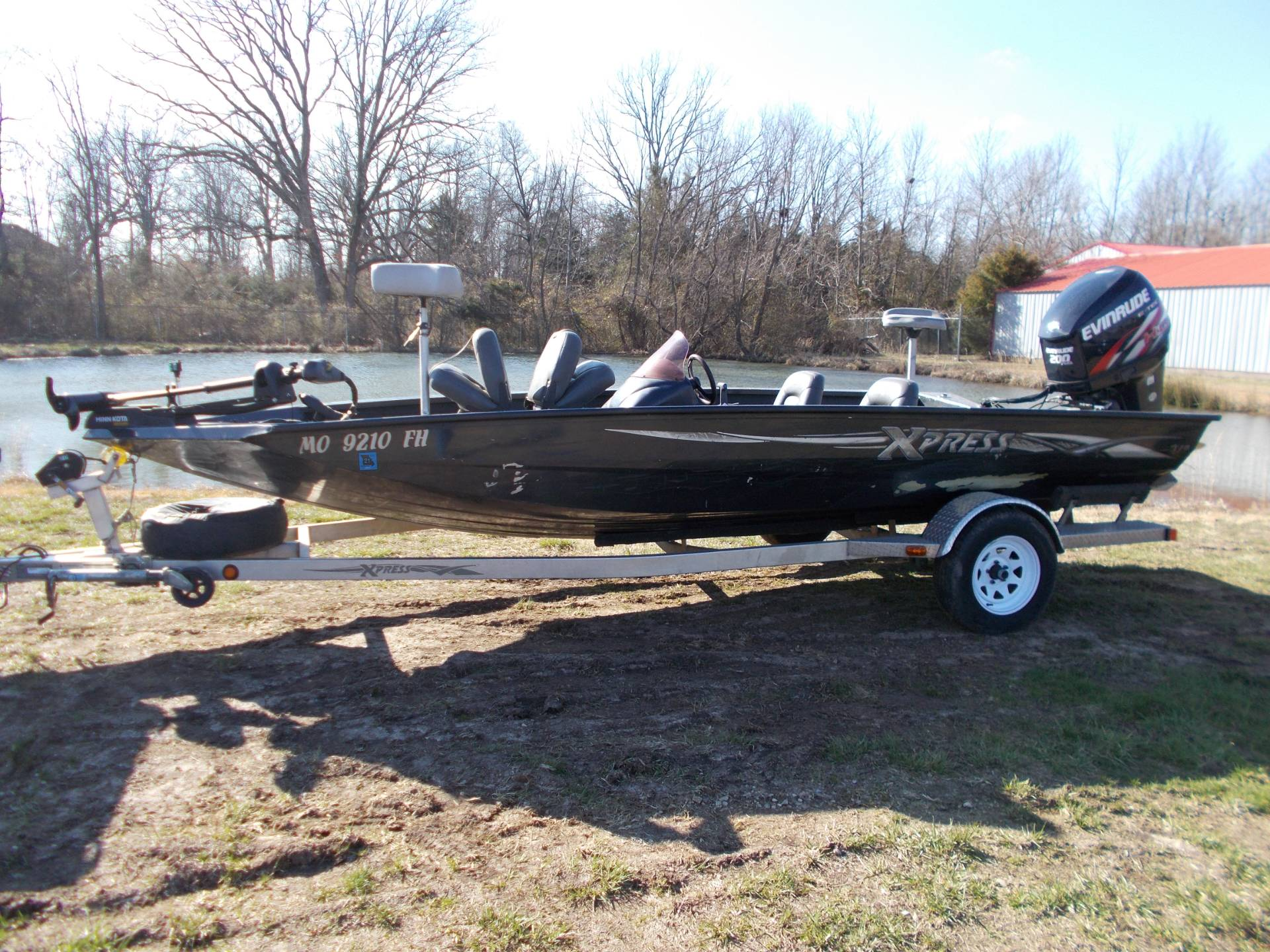 2006 Xpress TOURNAMENT SERIES X19T5 W/ 2009 EVINRUDE 200 & TRAILER in West Plains, Missouri