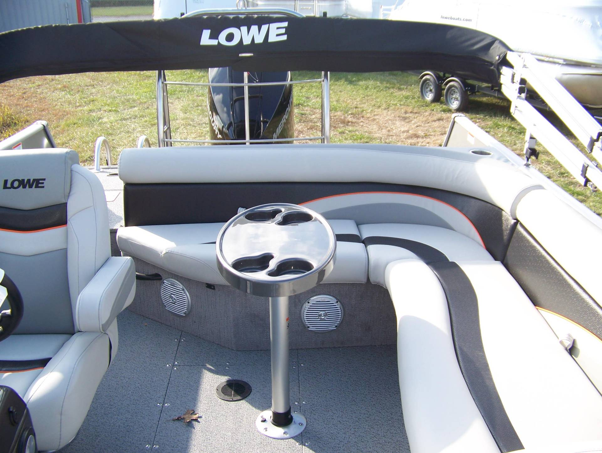2019 Lowe SD224 DECK BOAT W/ MERCURY 175 & TRAILER in West Plains, Missouri - Photo 8