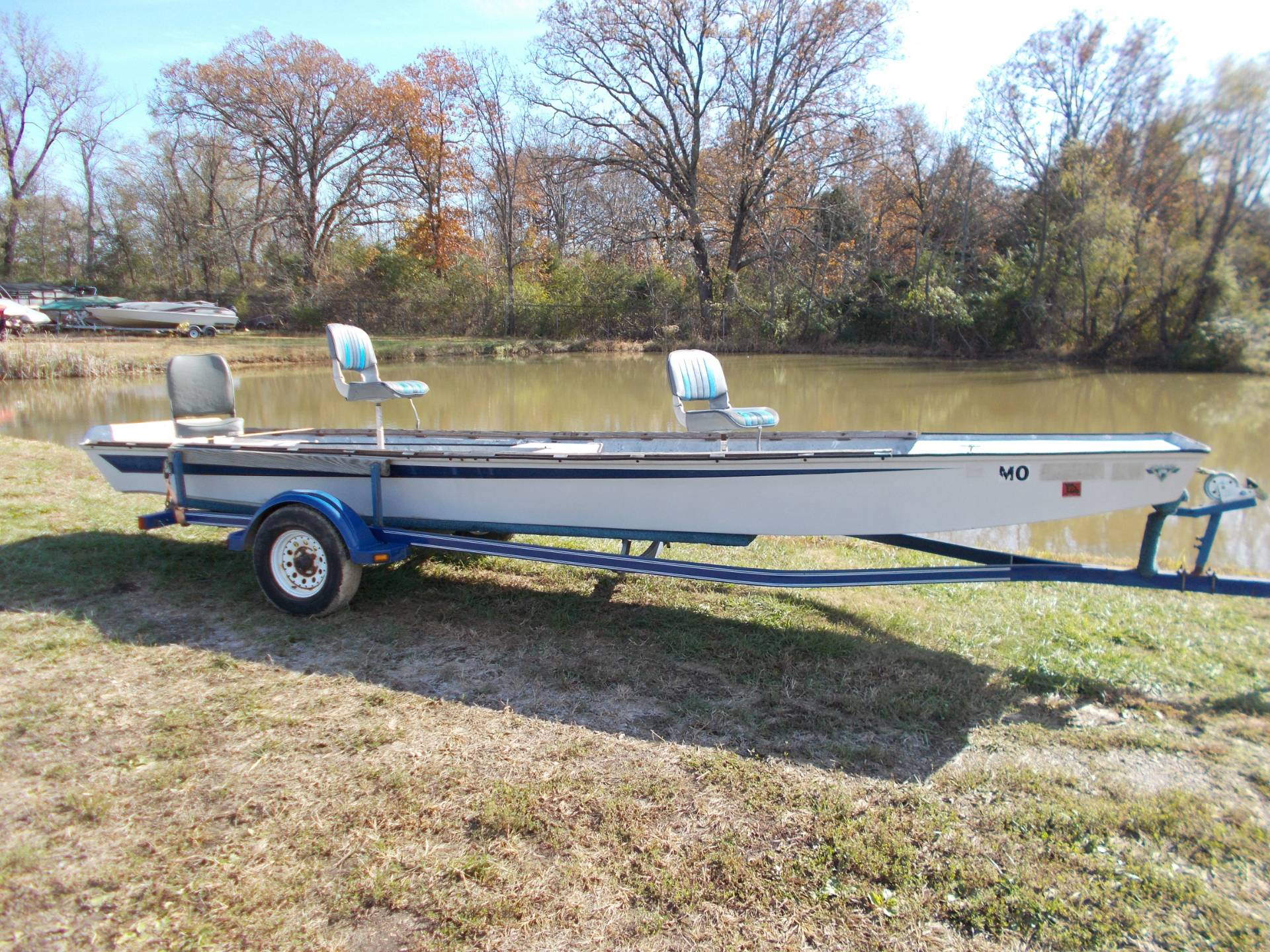 1995 White Outdoor 2036 RIVER BOAT W/ TRAILER in West Plains, Missouri - Photo 1