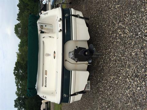 1998 Chaparral 232 Sunnesta in Willis, Texas