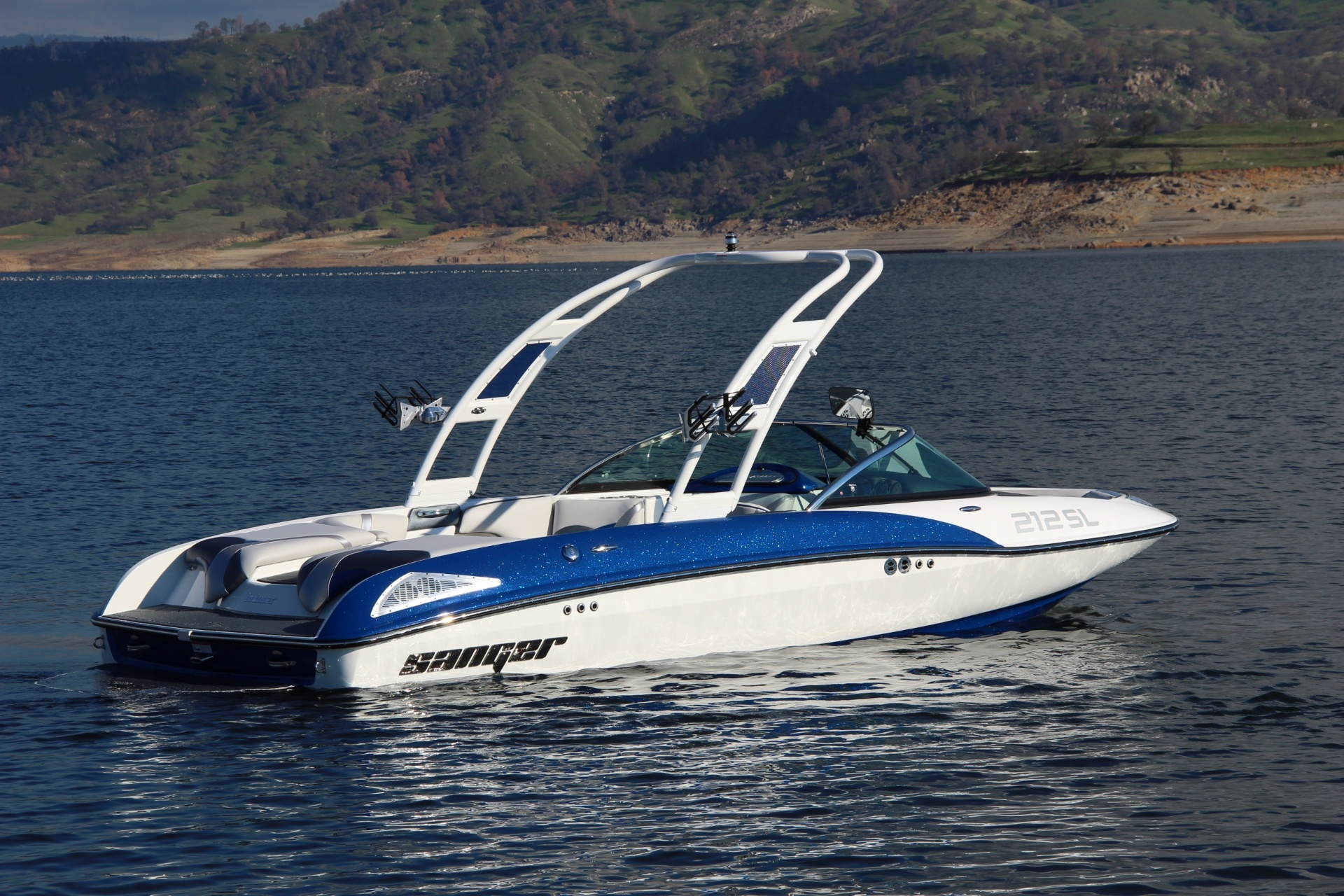 THE NEW 212 SL SURF