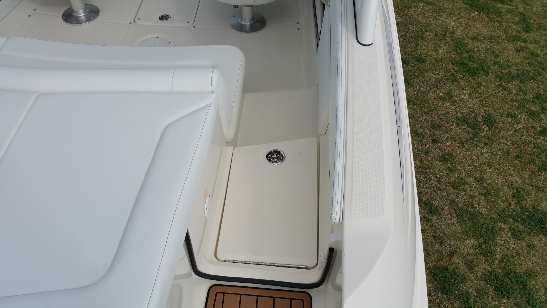2014 Sea Ray 210 SLX in Willis, Texas