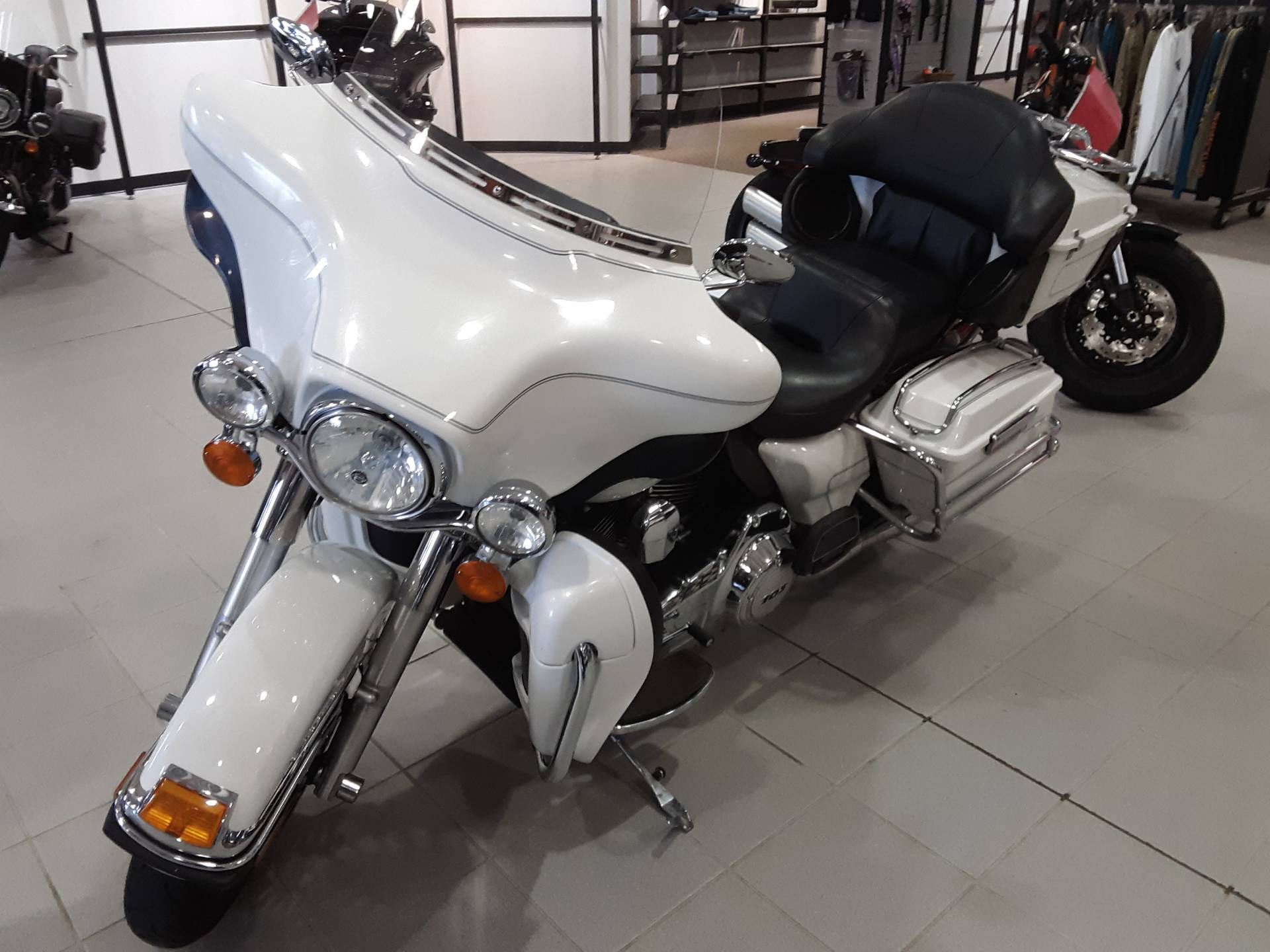 2013 Harley-Davidson Ultra Classic® Electra Glide® in Salina, Kansas - Photo 2