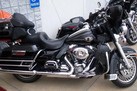 2009 Harley-Davidson FLHTCU in Salina, Kansas