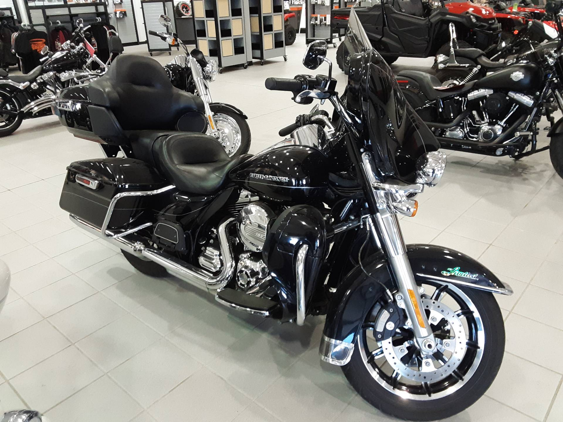 2014 Harley-Davidson Ultra Limited in Salina, Kansas - Photo 2