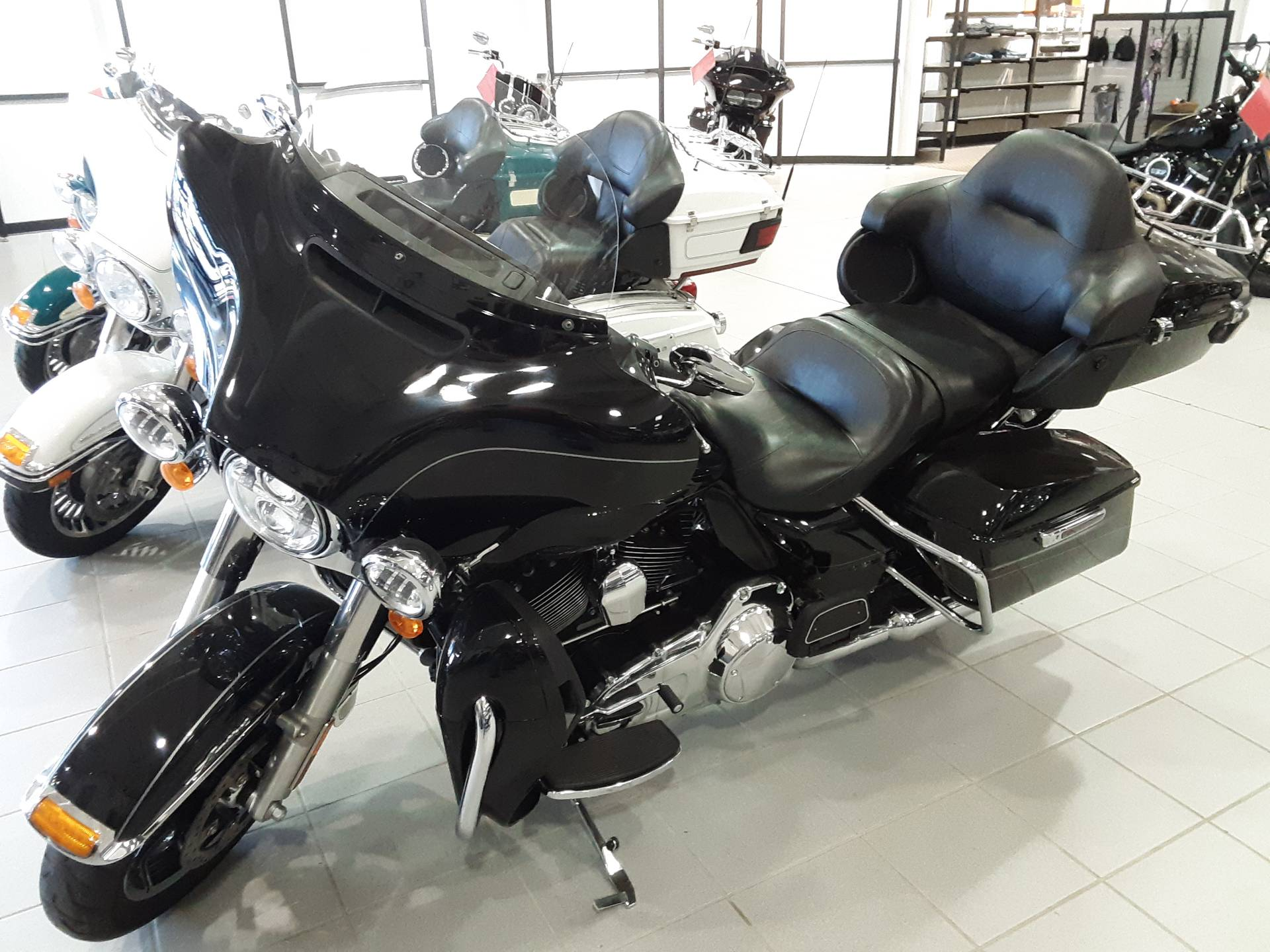 2014 Harley-Davidson Ultra Limited in Salina, Kansas - Photo 3