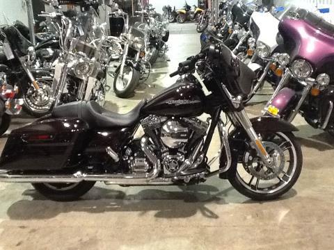 2014 Harley-Davidson STREET GLIDE in Salina, Kansas
