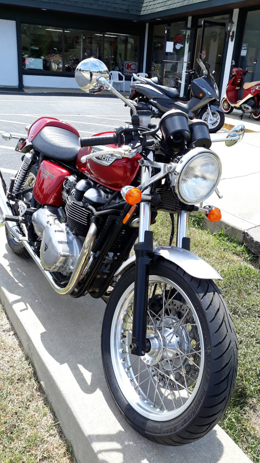 2004 Triumph Thruxton 900 in Edwardsville, Illinois - Photo 2