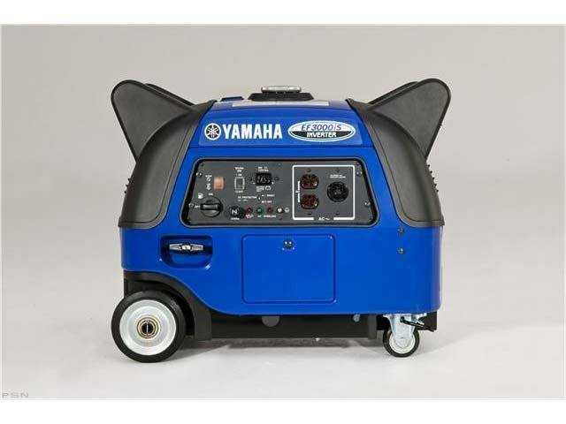 2014 Yamaha Inverter EF3000iS in Clarence, New York