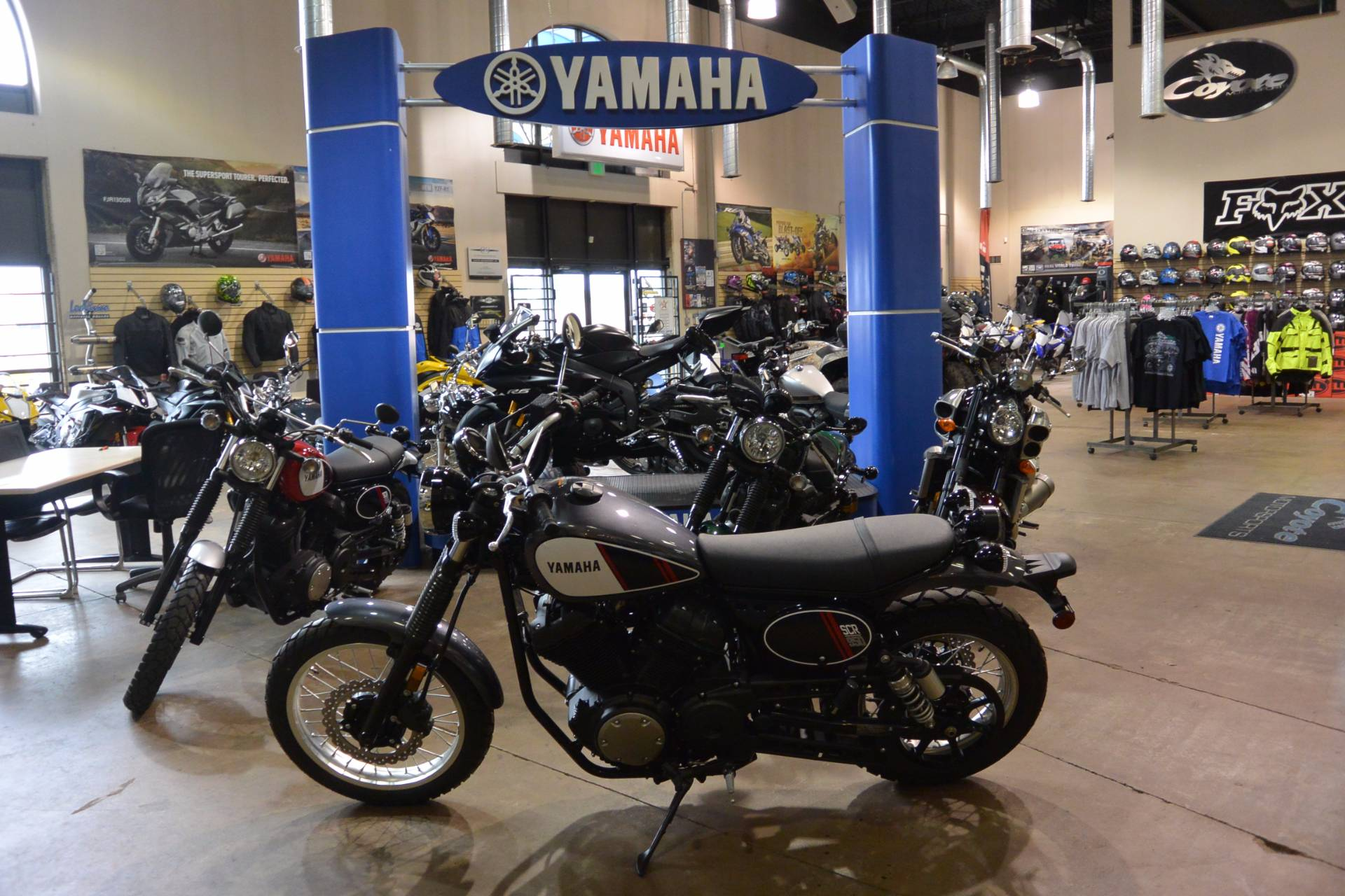 2017 Yamaha SCR950 in Denver, Colorado - Photo 2