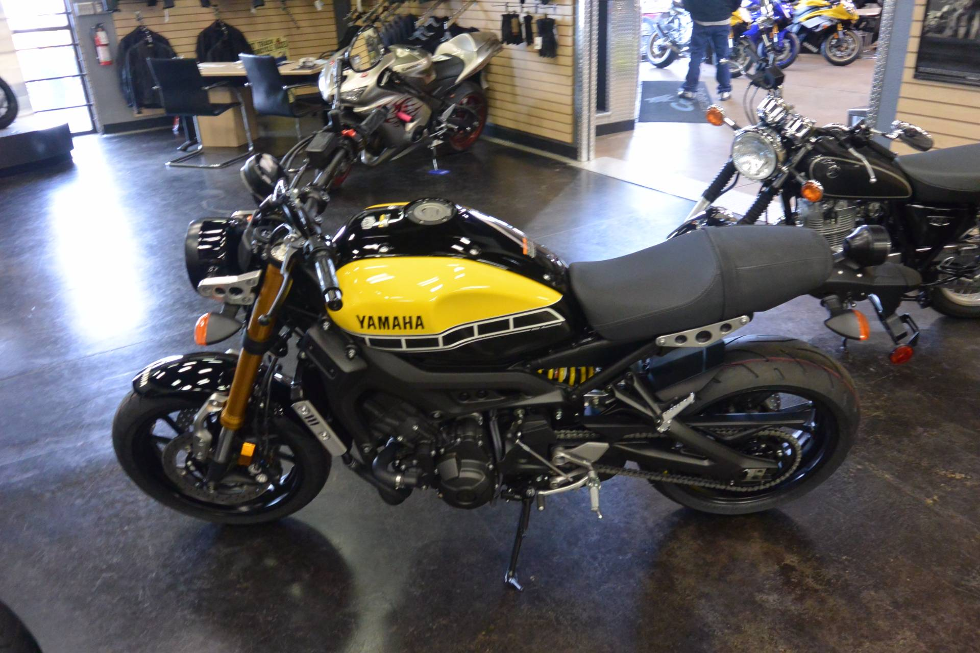 2016 Yamaha XCR900 in Denver, Colorado