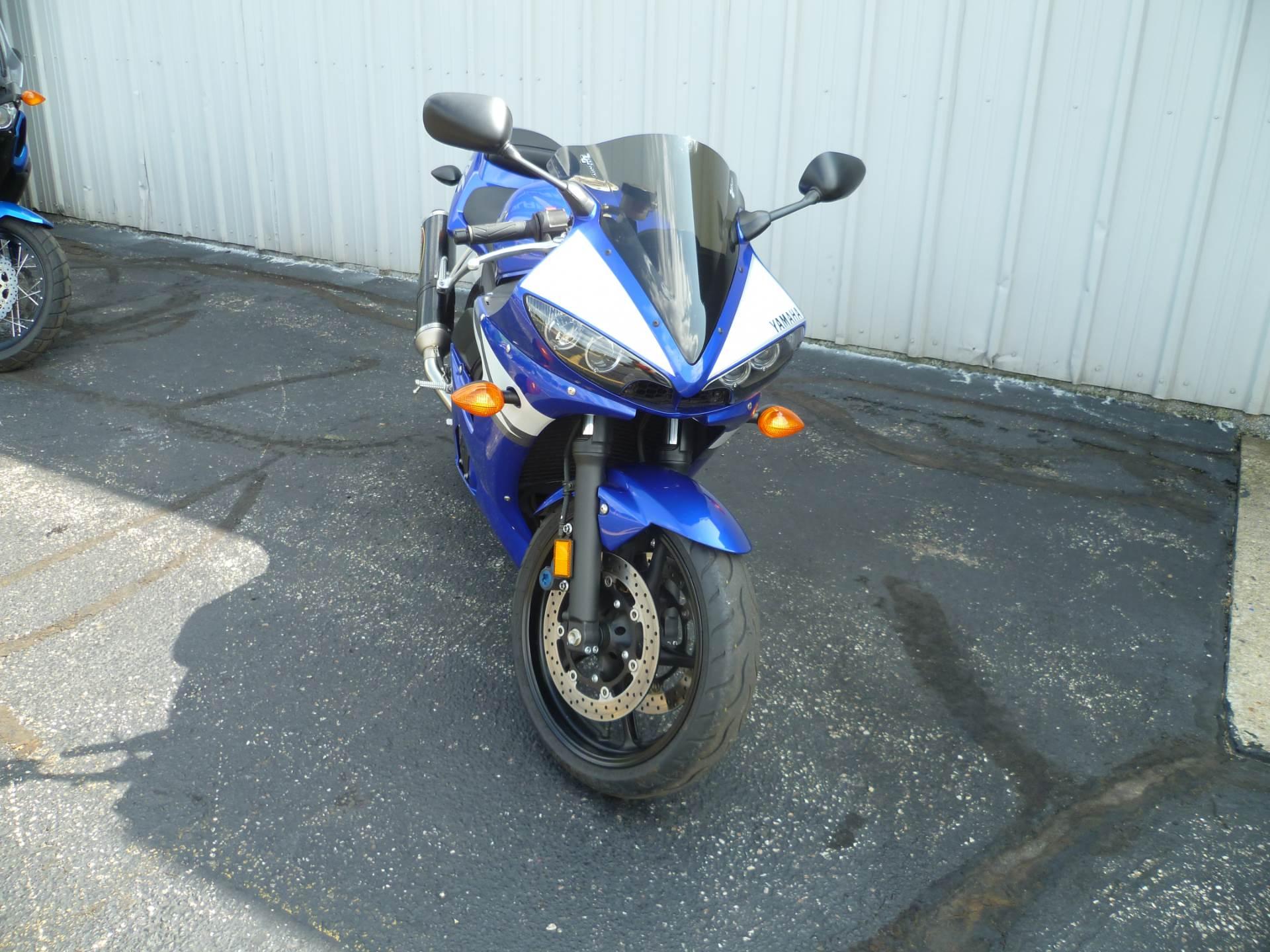 2004 Yamaha YZF-R6 3