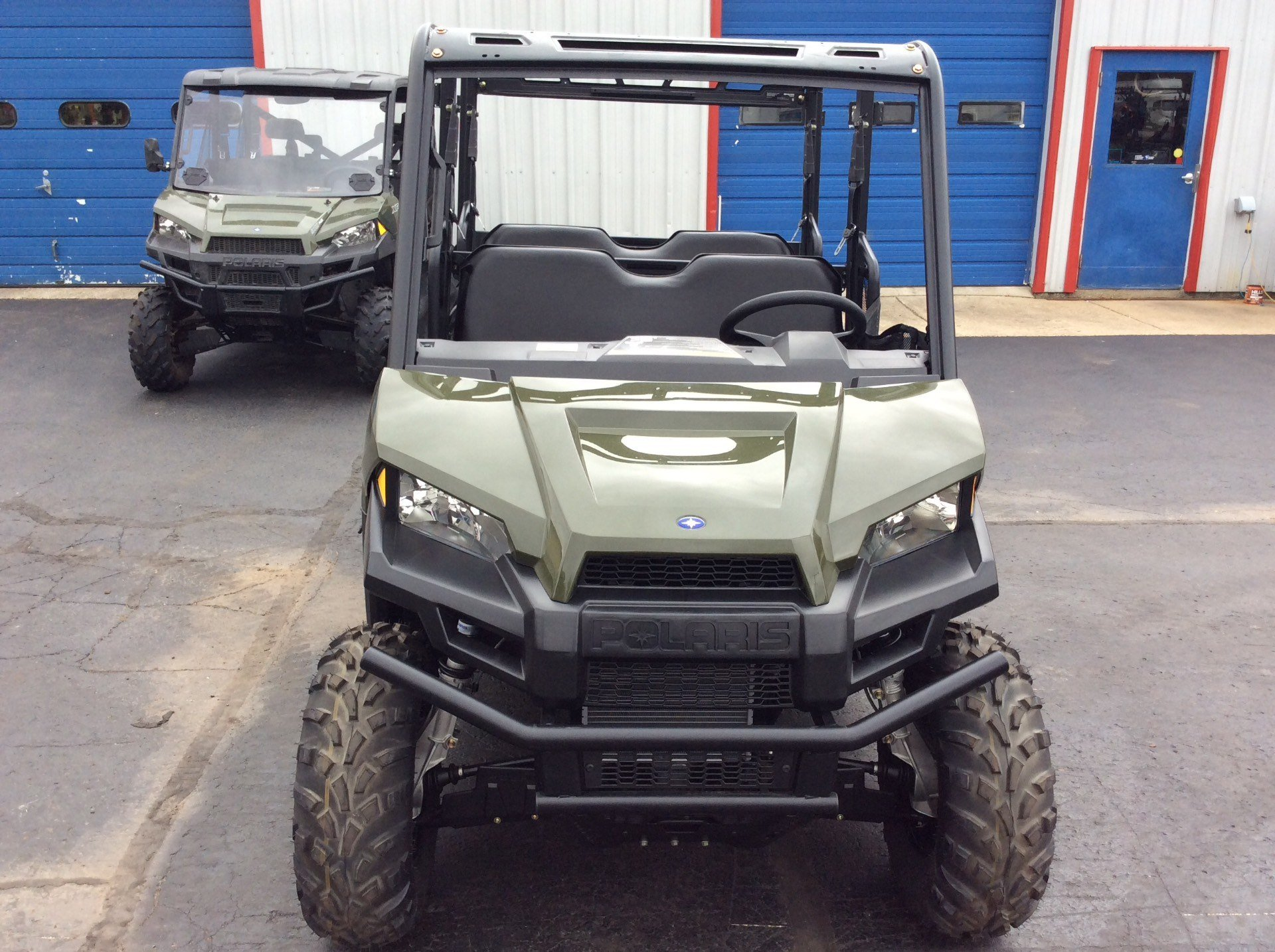 2018 Polaris Ranger Crew 570-4 in Union Grove, Wisconsin - Photo 2