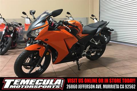 2016 Honda CBR300R in Murrieta, California