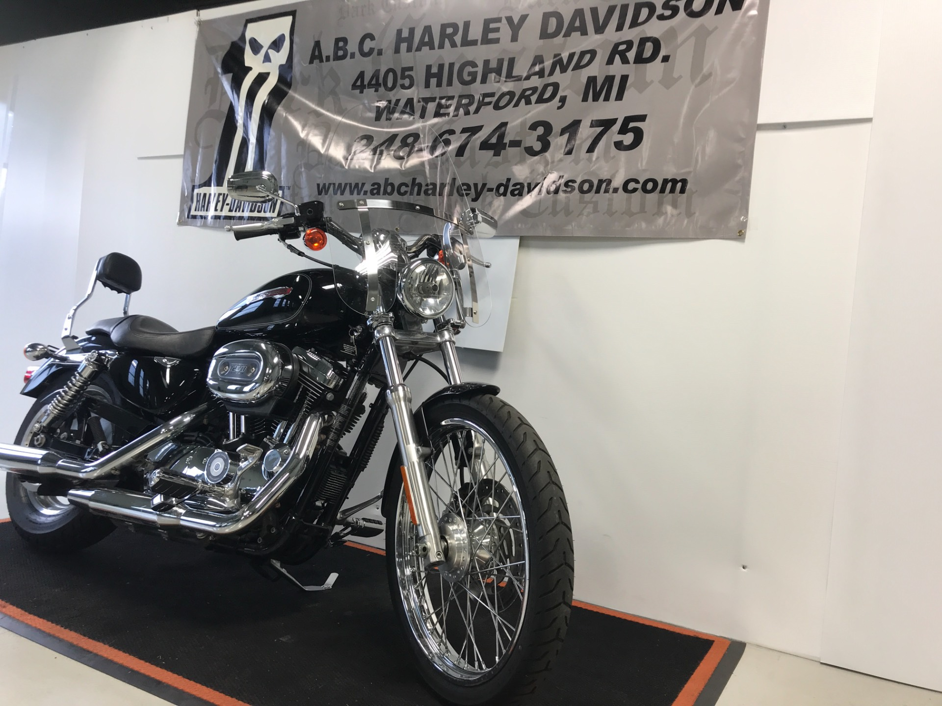 2009 Harley-Davidson Sportster 1200 in Waterford, Michigan