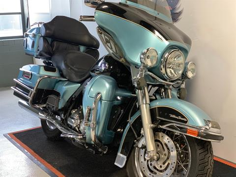 2007 Harley-Davidson FLHTCU in Waterford, Michigan - Photo 2