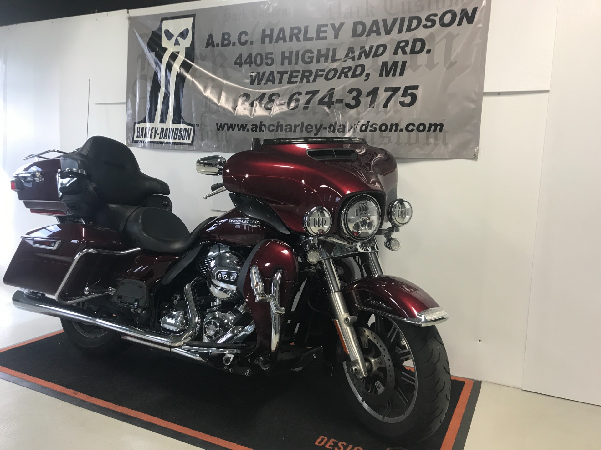 2015 Harley-Davidson Ultra Limited Low in Waterford, Michigan