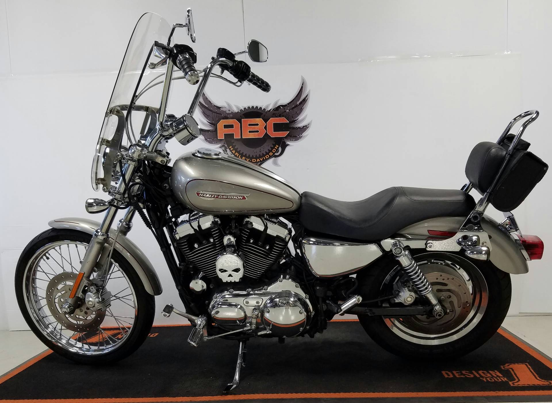 2008 Harley-Davidson Sportster® 1200 Custom in Waterford, Michigan
