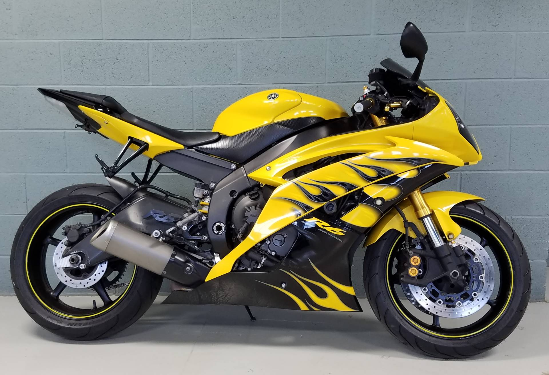 2008 Yamaha YZFR6 in Waterford, Michigan