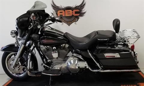 2005 Harley-Davidson FLHT/FLHTI Electra Glide® Standard in Waterford, Michigan