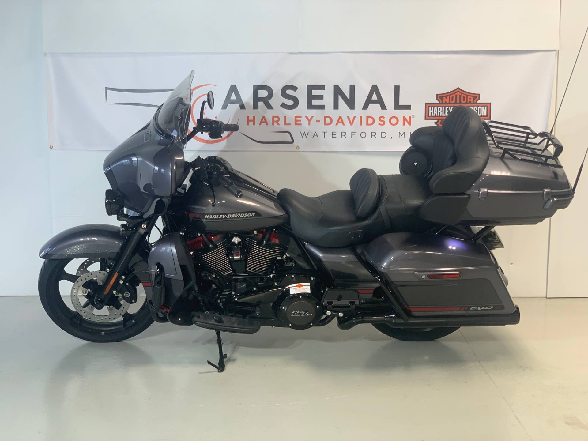 2020 Harley-Davidson CVO Limited in Waterford, Michigan - Photo 8