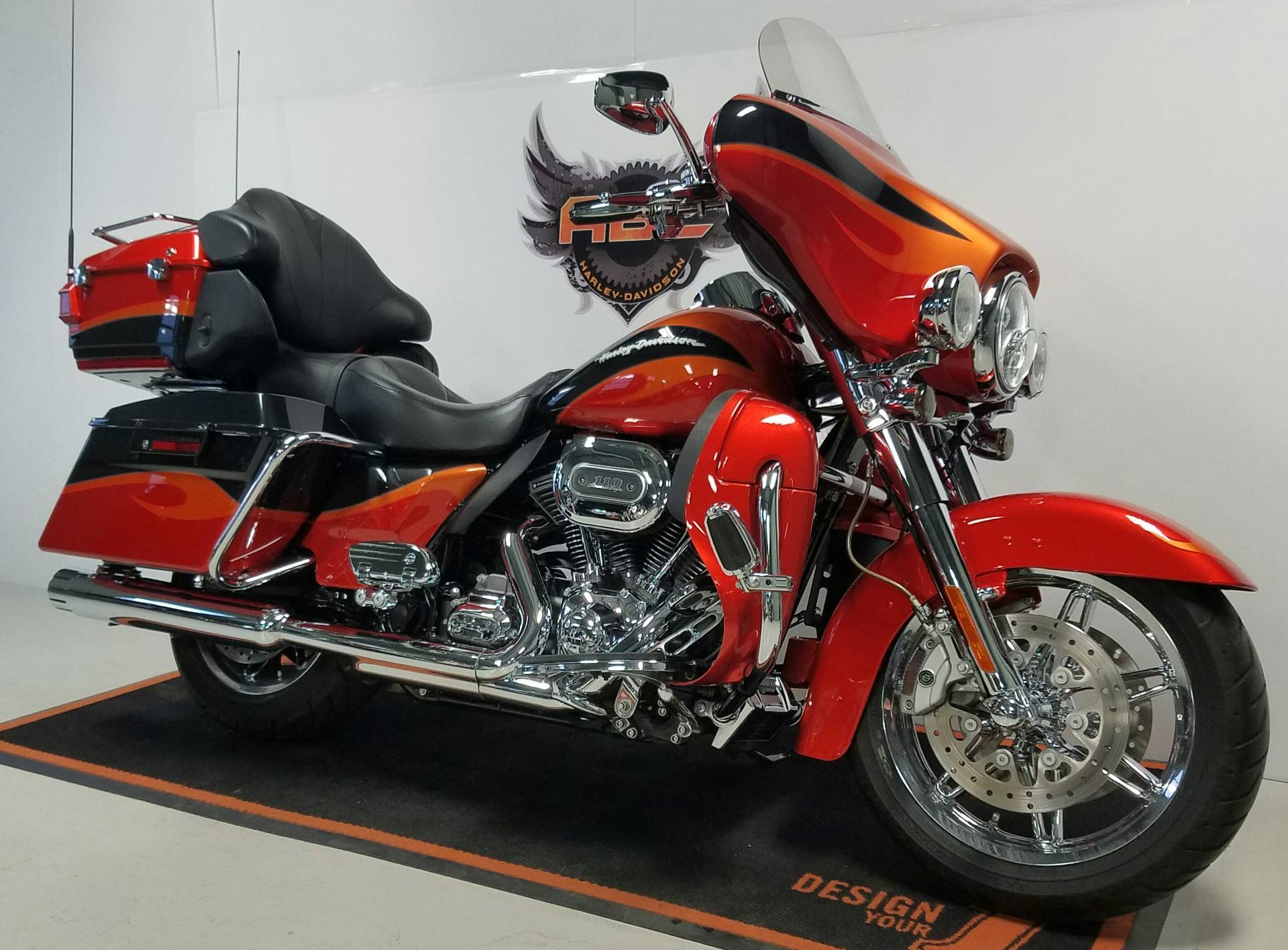 2013 Harley-Davidson CVO™ Ultra Classic® Electra Glide® in Waterford, Michigan