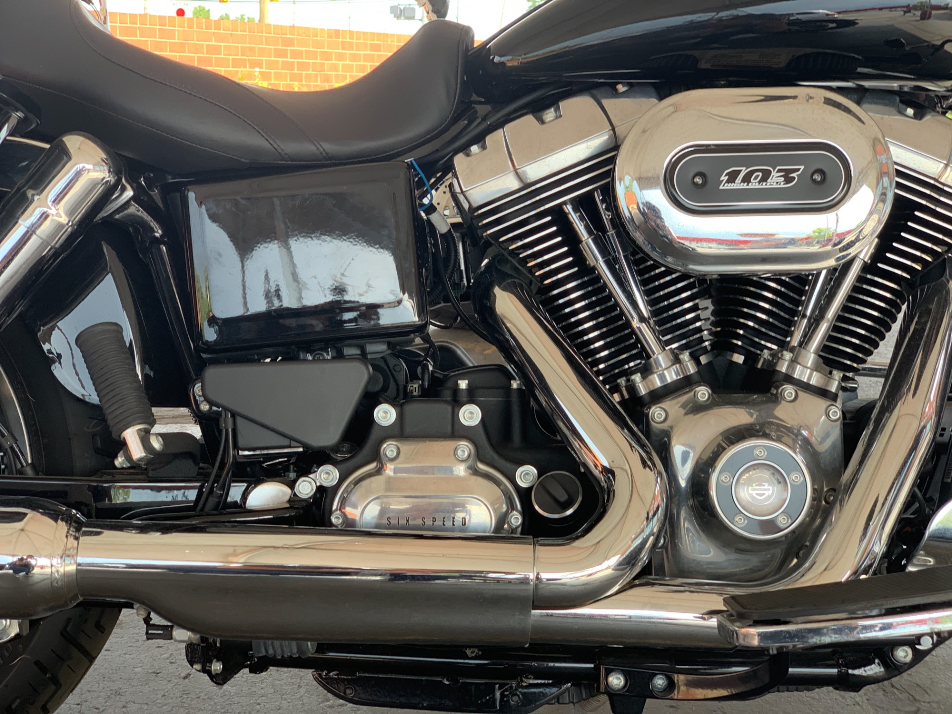 2016 Harley-Davidson FLD103 in Waterford, Michigan - Photo 4